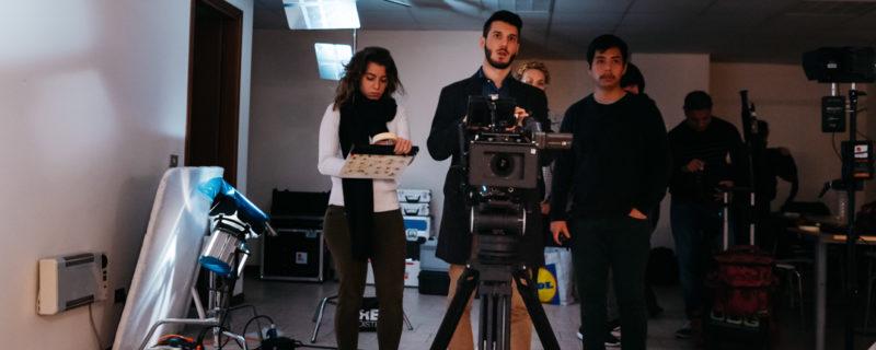 Oltre l'immagine, dietro la macchina da presa: il cinema come esperienza collettiva ed educativa